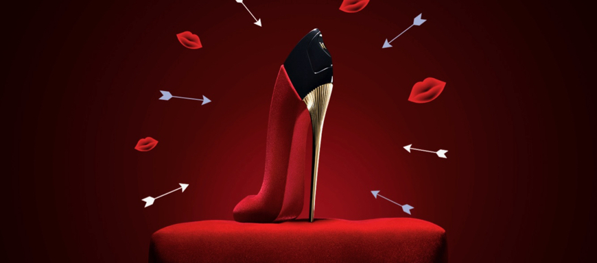 Exkluzívne - Carolina Herrera de Baez o Good Girl Velvet Fatale