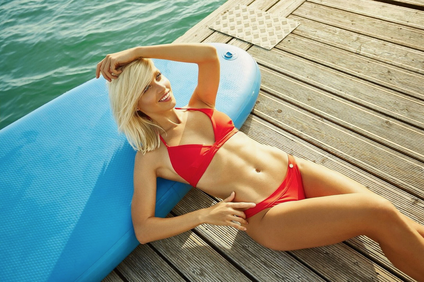 V hlavnej úlohe - Natália Frgelcová - Bikinies