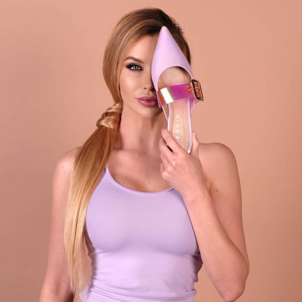 V hlavnej úlohe: Eva Cifrová, modelka, ktorá navrhuje luxusné topánky pod značkou Paeonia Collezione