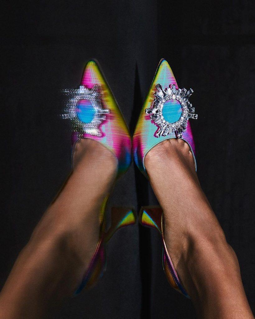 Geniálni obuvníci: Amina Muaddi. Dizajnérka, ktorej topánky nesú odraz doby