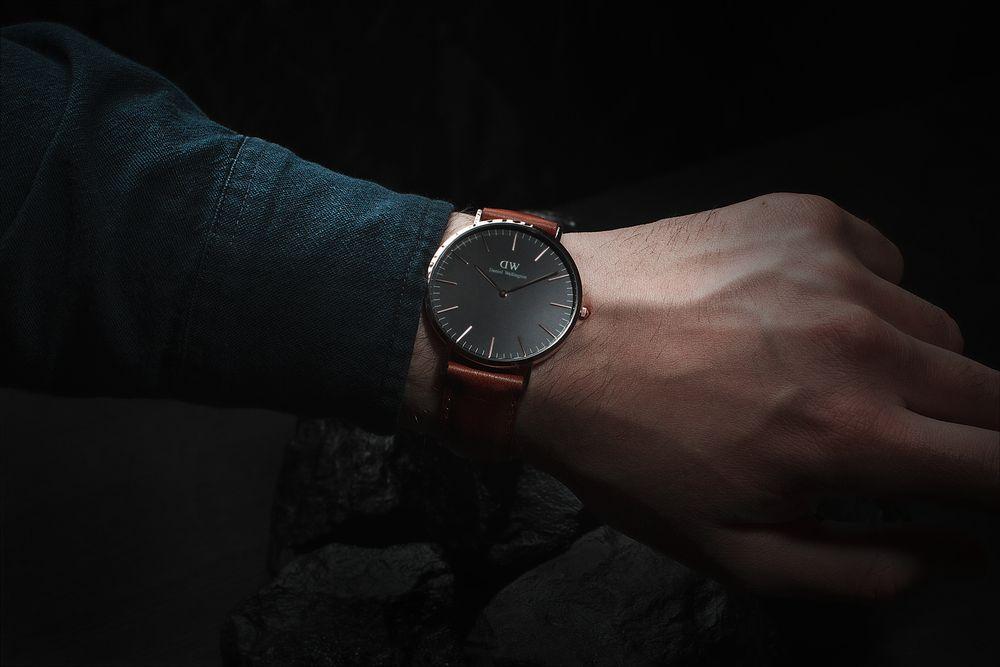 Pánske hodinky: Dominantný doplnok s pozoruhodnou históriou