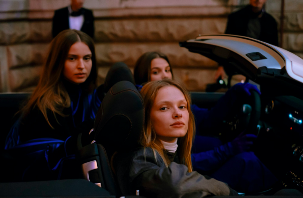 Mercedes-Benz Prague Fashion Week premiérově zve své návštěvníky na jarní sezónu FW21 do autokina