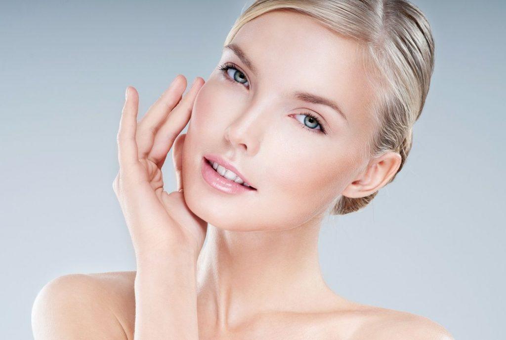 Objavte liečivú silu vitamínu B3 - niacínamid zmenšuje póry i vrásky a dokonale hydratuje vašu pleť