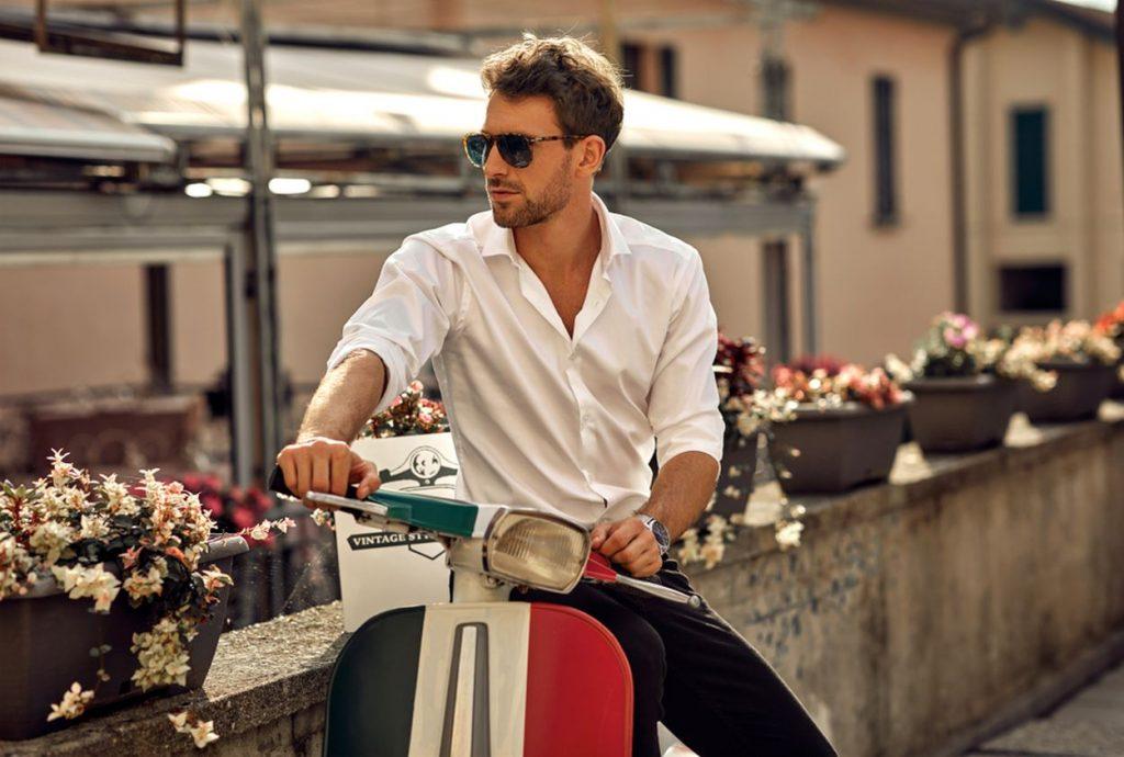 3 dôvody, prečo by mal mať každý muž vo svojom šatníku bielu košeľu