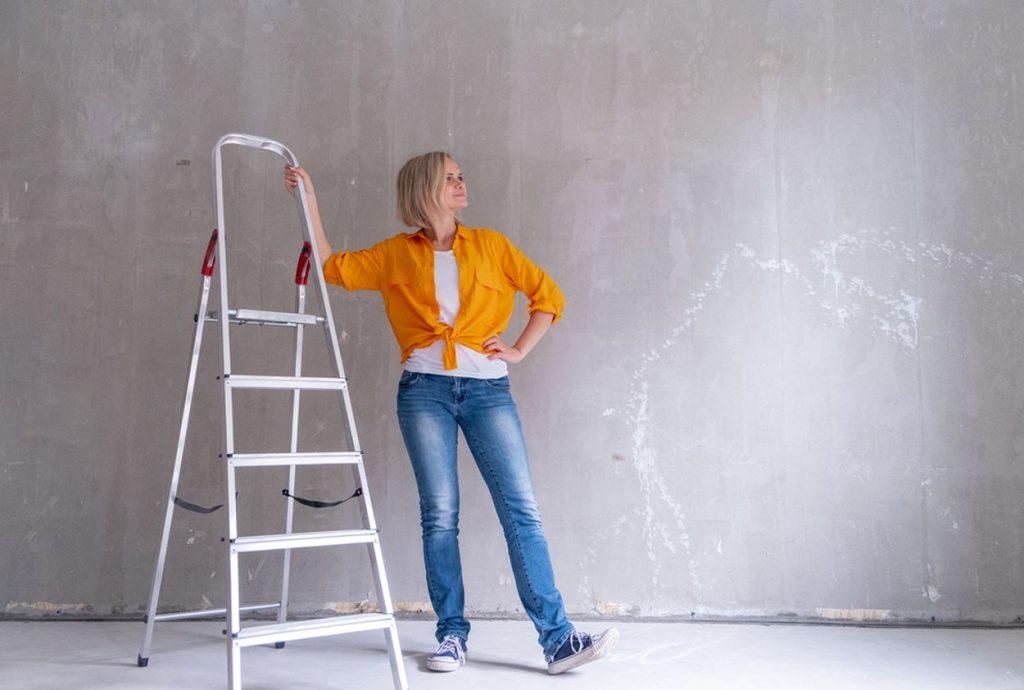 Ktoré práce zvládnete pri rekonštrukcii bytu aj sama?