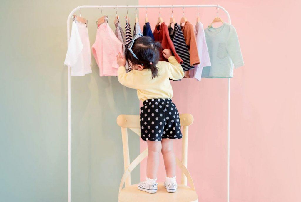 Ktorý materiál je najvhodnejší na šitie nielen detského oblečenia?