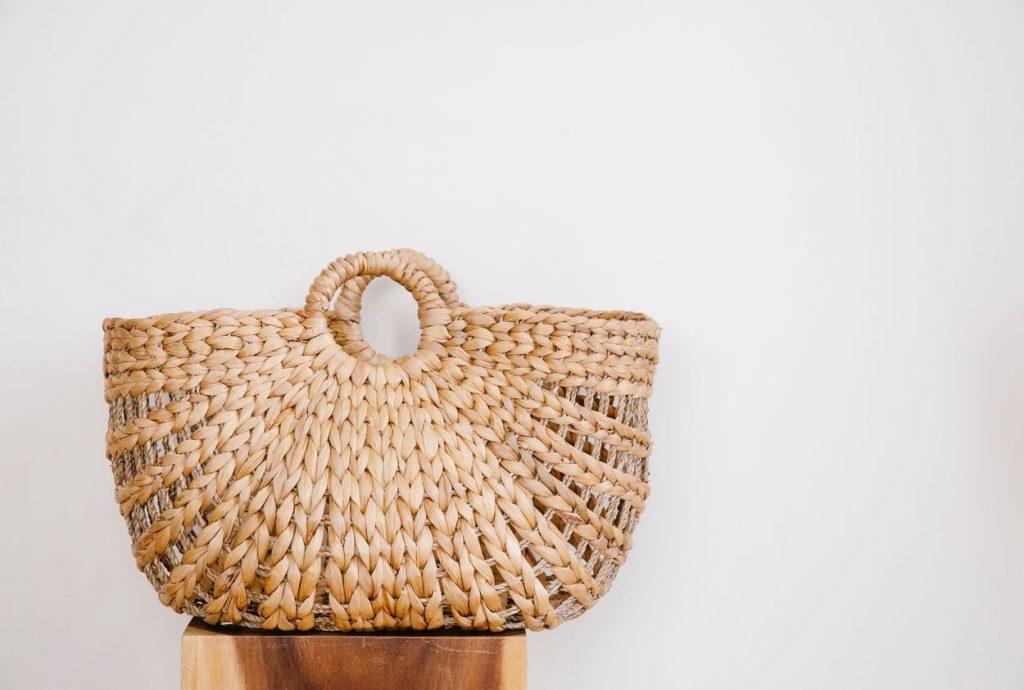 Móda na tropické dni. Čo nosiť a čomu sa vyhnúť počas najhorúcejších letných mesiacov?